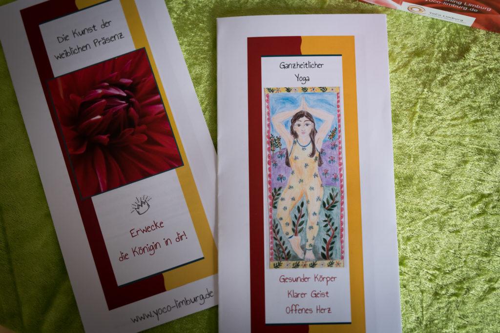 Weibliche Präsenz und Ganzheitlicher Yoga